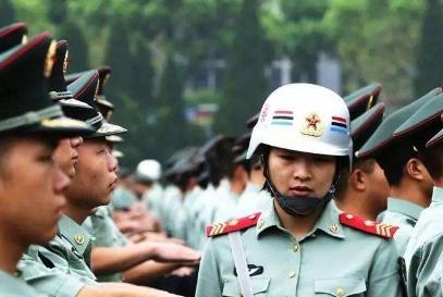 中国这个女兵种,首长看到都要敬礼,退伍必须提前悄悄离开