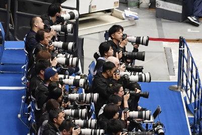 """摄影师眼中的羽生结弦:是激起我们""""场下竞赛""""的耀眼人物!"""
