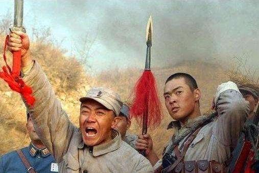 亮剑:伏击观摩团一战,9成网友没看懂,因为忽略了3个细节!