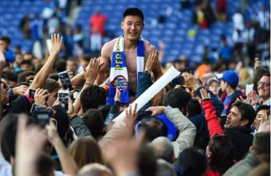 向冠军球队说不,武磊坚定留队,并直言-球迷是为他的表现而鼓掌
