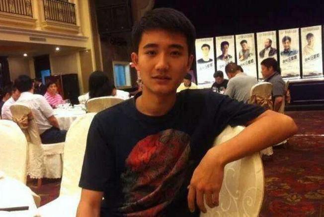 95后演员周文及其母亲涉嫌吸毒贩毒被抓,南京警方发通报