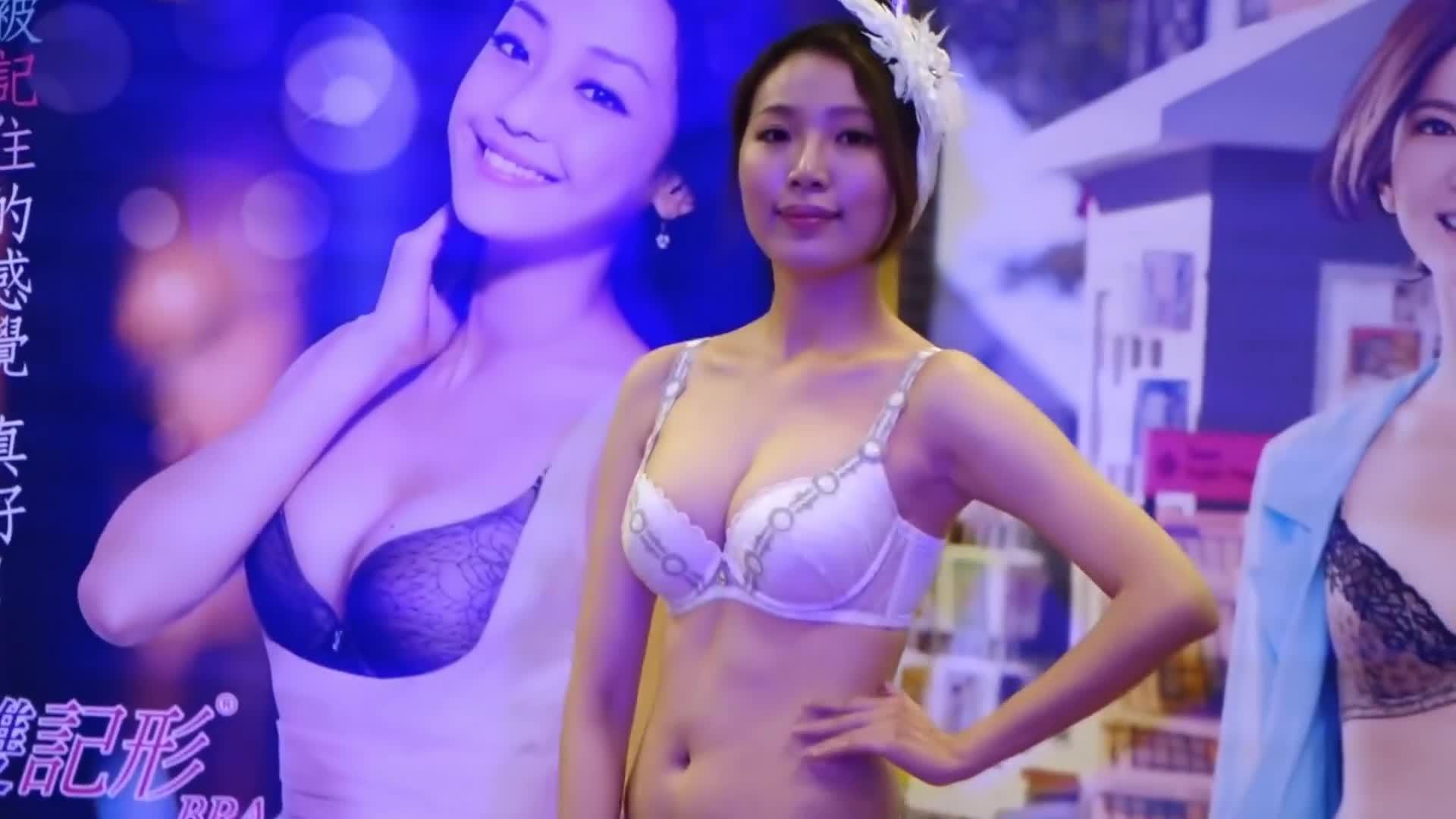 horesm亚时装秀:前卫的国产美女模特,身姿艳丽不输