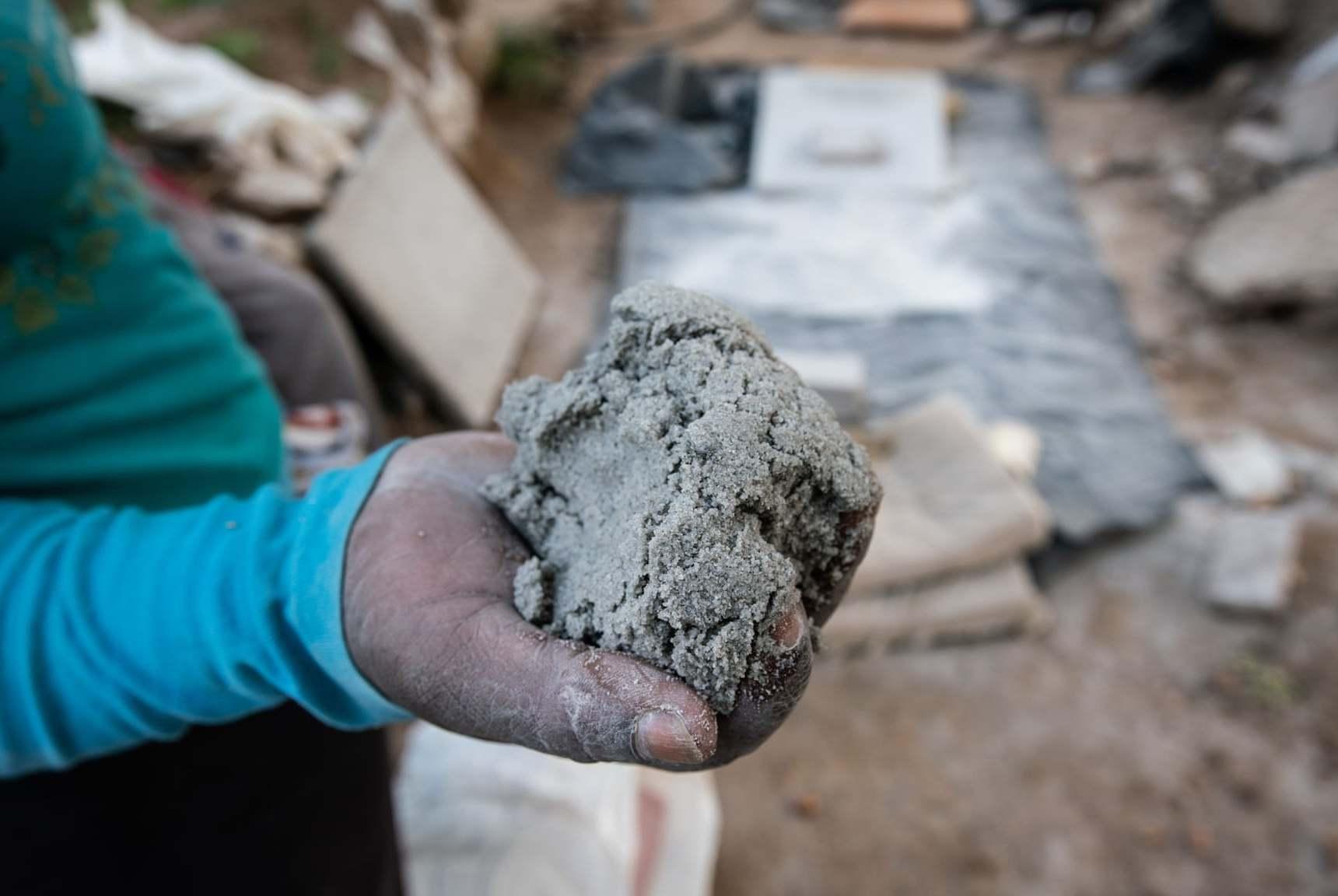 南非黄金女矿工:她们每年创造35亿财富,但失去的却更多