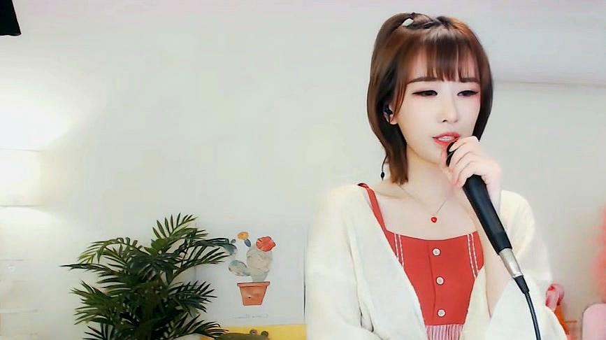 田子晴翻唱《下个路口见》歌声甜美,不愧是治愈系派的小姐姐