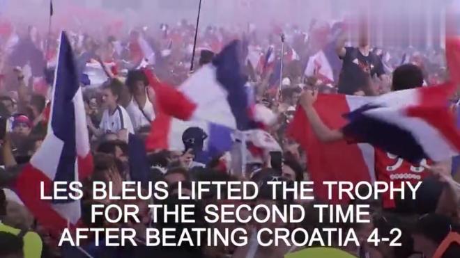法国夺得世界杯冠军,法兰西民族的激情在凯旋门上演