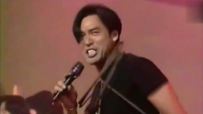 郭富城钟镇涛展示力量演唱真的汉子,钟镇涛拿出绝技颈缠钢筋