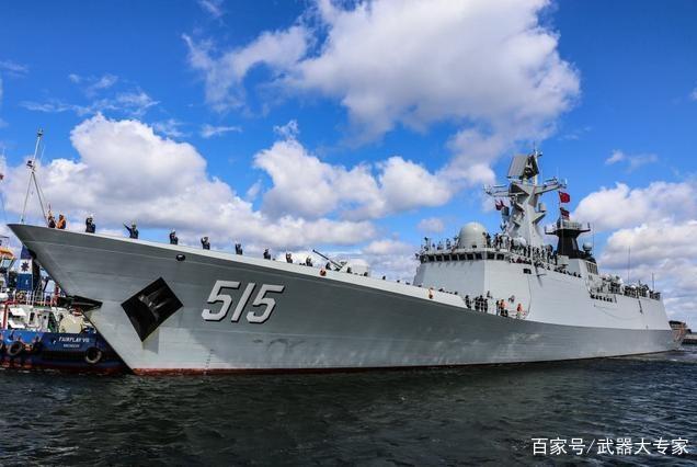 7000公里外红旗迎风飘扬,一群老外登上中国军舰,英法却惨遭躺枪