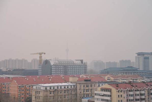 出门戴好口罩 北京大风+扬尘来袭