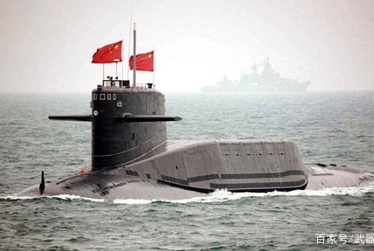 渔民出海发现异常潜艇,我军紧急打捞,舱盖一开70位勇士已牺牲