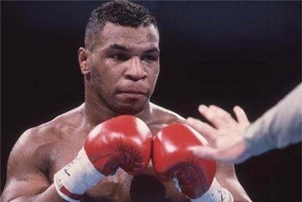 他在31年前统一了重量级!后来在日本被KO,如今追忆往昔
