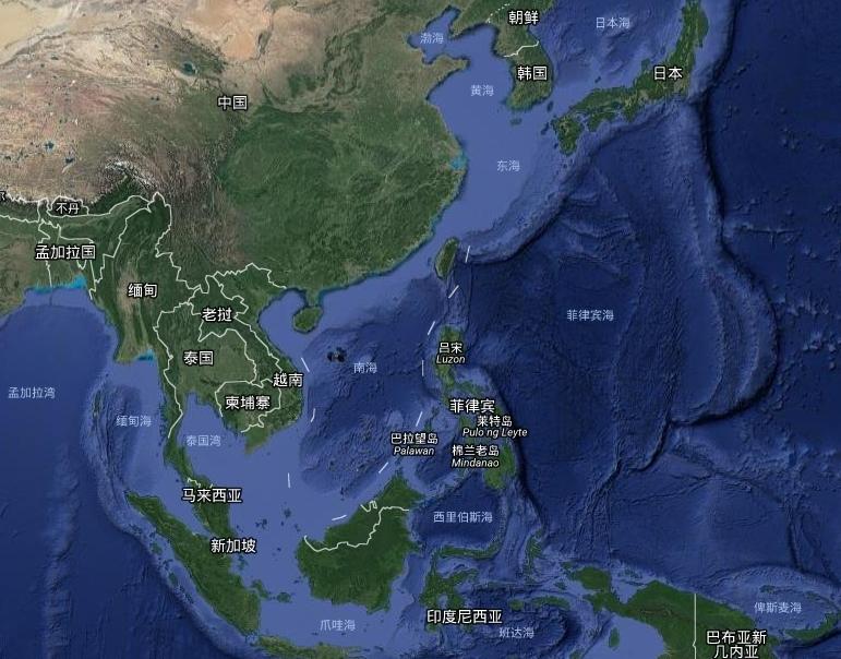 一,新疆是中国飞机场最多的省份。(已建成投入使用的有21个)  新疆是中国的西部边陲,面积166万平方公里,占中国国土总面积六分之一。  从中国东部进入新疆陆路要走河西走廊,道路非常险峻,因而新疆机场比较多。  二,俄罗斯面积达1700万平方公里,海岸线达3.4万公里,却只有一个终年不冻港摩尔曼斯克。  俄罗斯的不冻港,是出海口,而不是出洋口。 俄罗斯通往各大洋的路上有各种岛屿、半岛及陆地阻拦,俄罗斯人想从这些港口进入大洋必须经过非常狭长的海峡,非常不方便。  俄罗斯自从1721年彼得大帝创建俄罗斯帝国