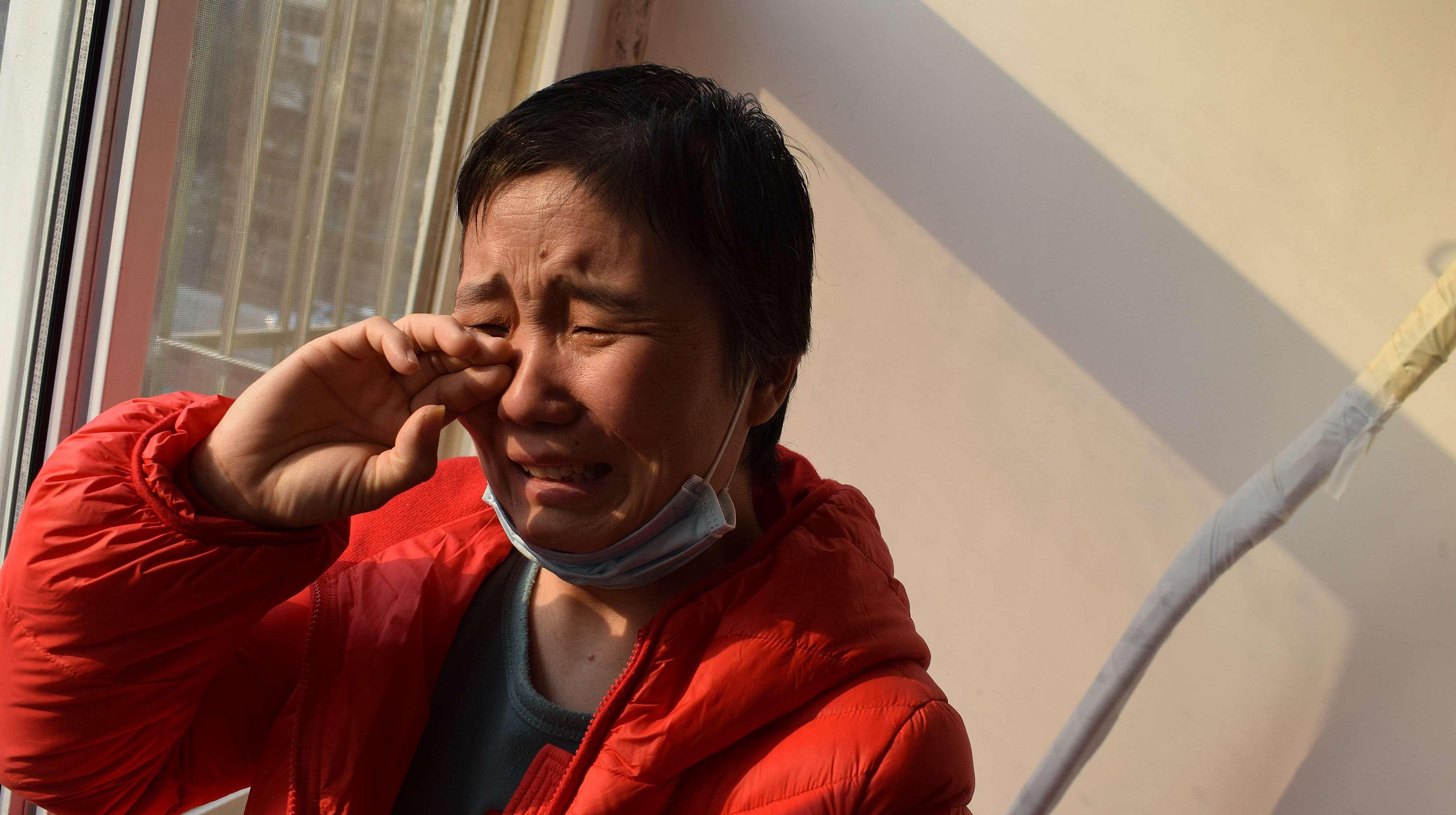 勤俭母亲为救子,5次为其抽血捐骨髓,得知手术失败,一夜白头