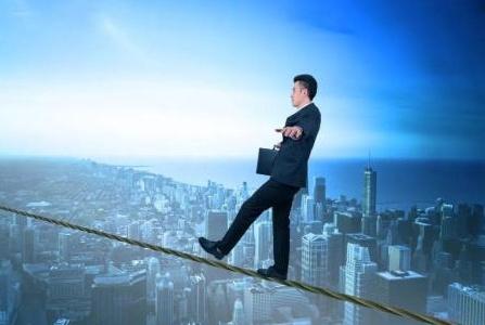 三四线楼市如何发展?看看专家怎么说!为何王健林说不需调控?