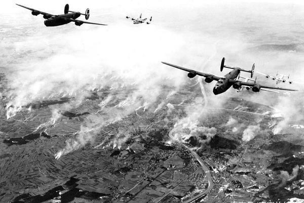 二战时的英国:把德意封锁在欧洲大陆,一路打到日本家门口