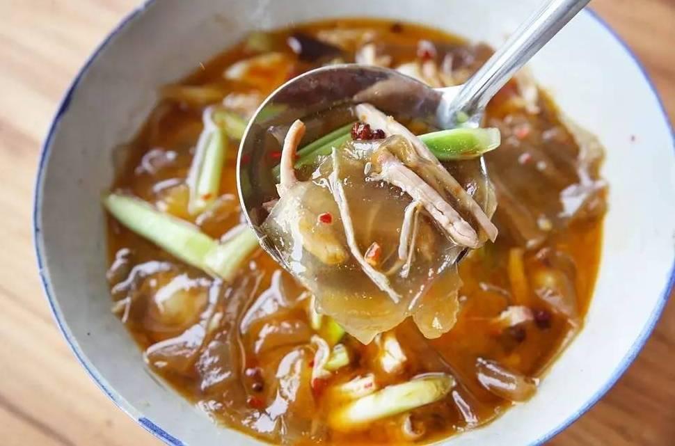 绝味湘菜来袭,一碗假羊肉汤,鲜辣香溢,当仁不让的衡阳特色小吃