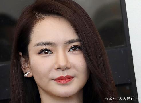 一组娱乐圈中明星的照片,戚薇,你喜欢吗?