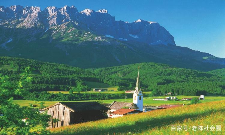 照片中大山风景独特,山势雄伟,不知道你去过这个地方没有.