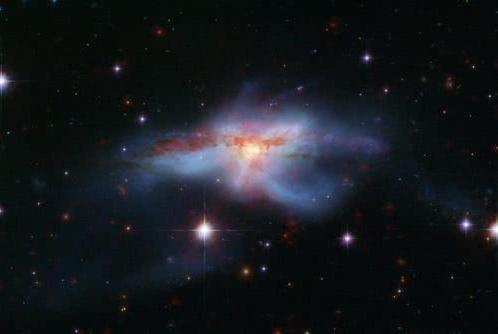 有人说我国卫星发现150亿光年外的宇宙墙,你怎么看?