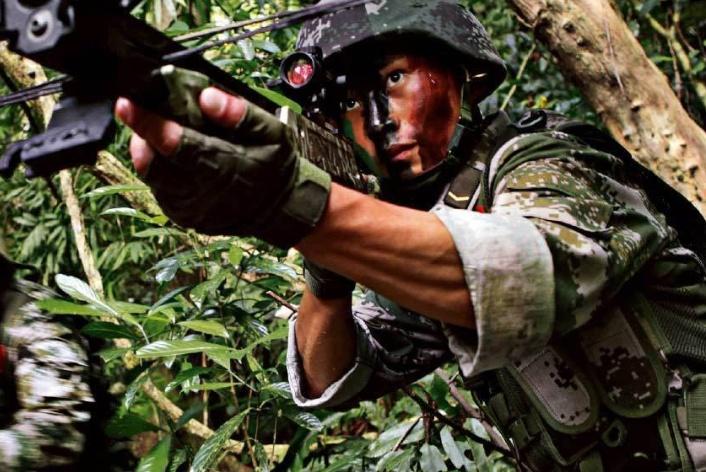 弓弩落后还昂贵,为啥我国军队还要装备?这几点功能枪械做不到