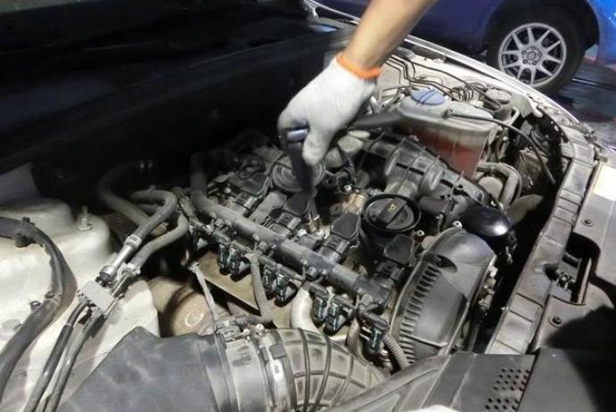 汽车出现这3种情况,要及时更换火花塞,不然下次就是发动机了!