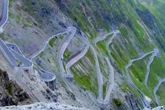 中国最难建的公路,前后用时58年花费10亿,工人要签遗嘱才能工作