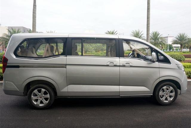 """五菱牌""""GL8"""",车长超5米,轴距3.2米,223七座布局,仅6.6万!"""
