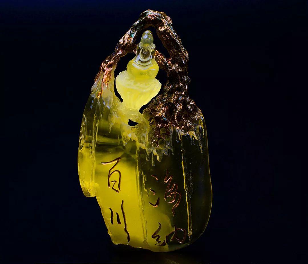 琥珀雕刻大师胡庭峰雕刻作品:《海纳百川》心存四海静心悟天道!