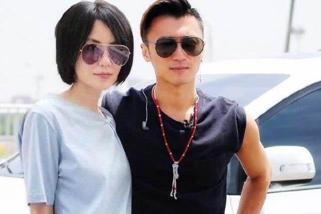 否认与杨幂恋情后,谢霆锋王菲首次同框破分手传闻!