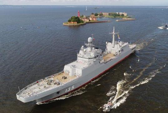 """俄军终于""""下饺子""""?罕见同时造5艘战舰,总吨位还不如2艘055舰"""