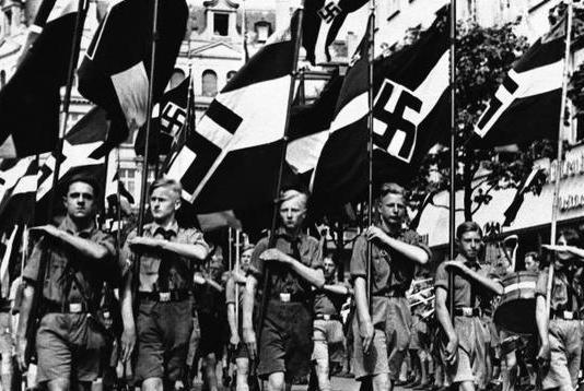受骗的少年,作恶的纳粹,可笑的市民