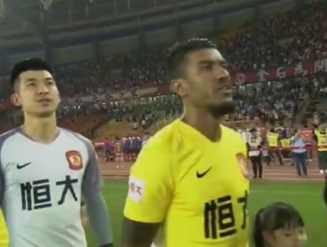 """恒大伤病潮足协给予""""特殊照顾"""",归化球员破门球迷可接班于汉超"""