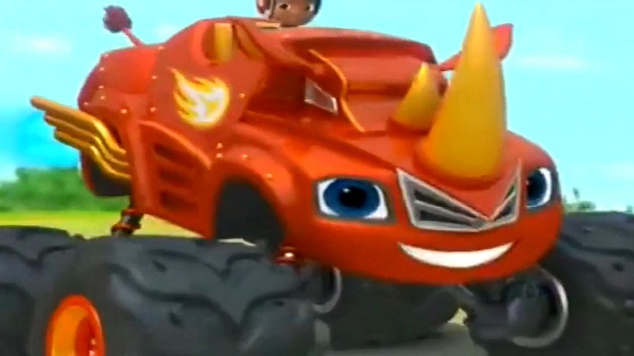 《旋风战车队》犀牛怪兽赛车飙速使用犀牛冲刺撞碎岩石