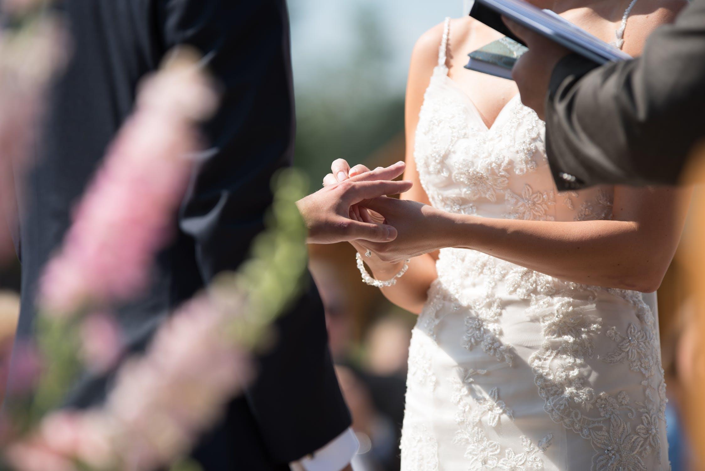 """那些""""无证结婚""""的姑娘们,婚后过得怎么样?且听听她们的心里话"""