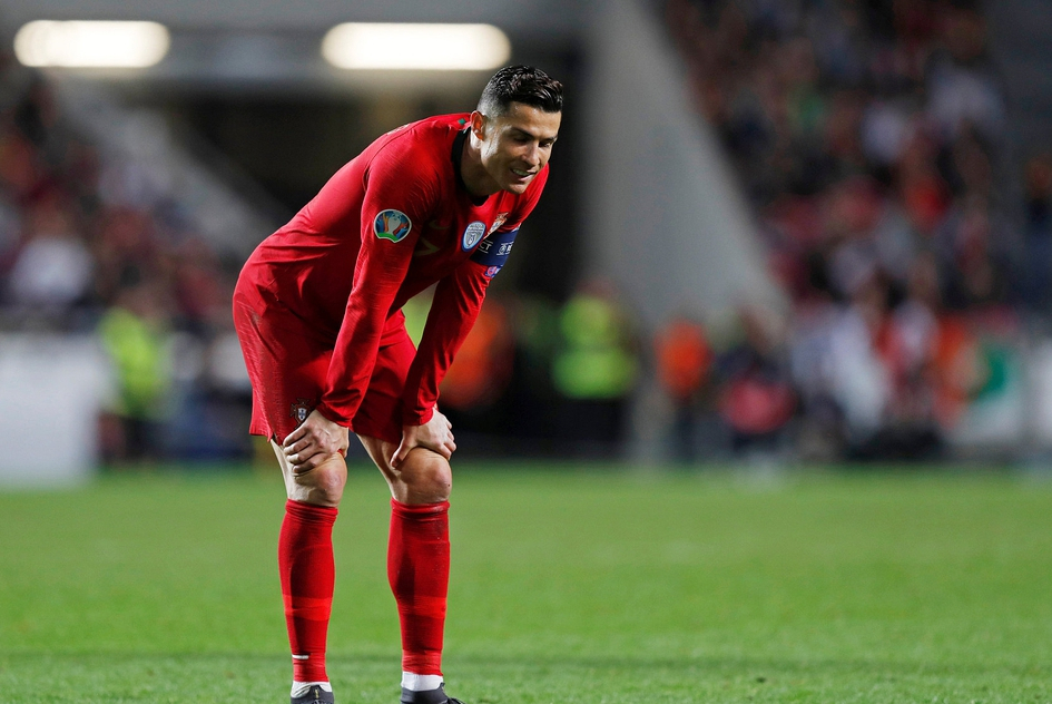 爆大冷!梅西复出阿根廷惨负 C罗屡失良机葡萄牙闷平 英法大胜