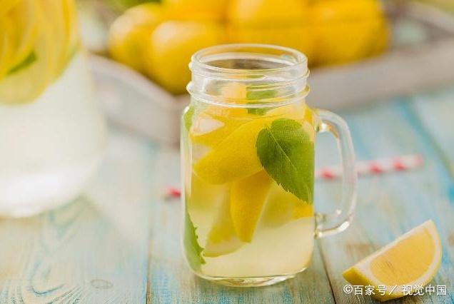 每天下午喝杯柠檬水,助你美颜抗衰老,这些好处也会慢慢找上你
