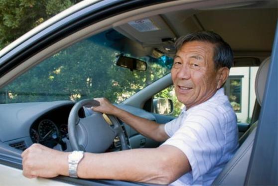 """怎样才能看出一个人开车""""稳不稳""""?老司机:这5个特征很重要!"""