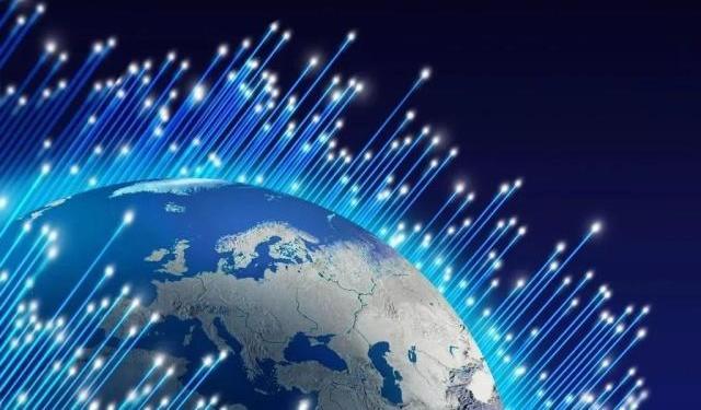 突破性进展!我国光通信技术实现300亿人在一根光纤上同时通话
