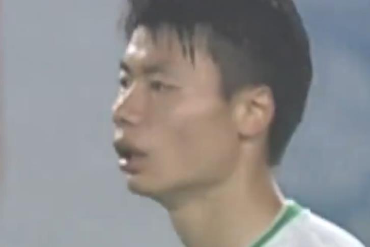 """中国足球再现奇葩1幕:""""消失""""1年的球星重回中超!"""