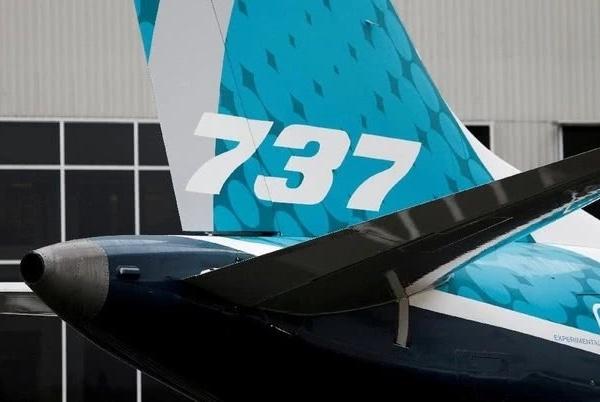 仍不停飞!美国交通部长赵小兰还搭乘737 MAX 8客机出差