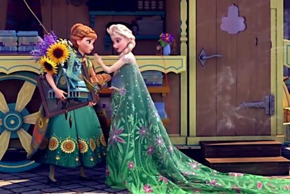 迪士尼公主艾莎的五套披风造型,冰雪轻纱经典,圣诞树图案最罕见