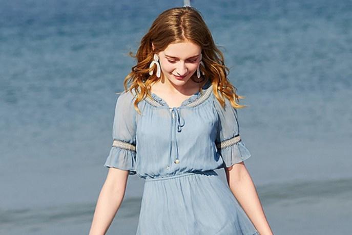 """最让女生爱不释手的,绝对是""""乖乖袖""""无疑,配上衣裙子都超甜!"""