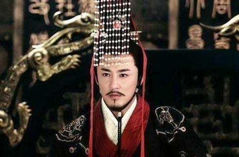 """""""黑色龙袍""""秦朝独有,后来帝王为何只穿黄色?专家:他们不敢"""