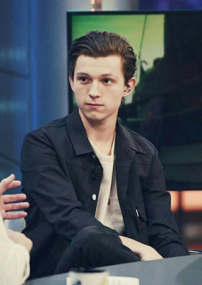 《超凡蜘蛛侠》中饰演主角彼得·帕克 汤姆·赫兰德,1996年出生于英国