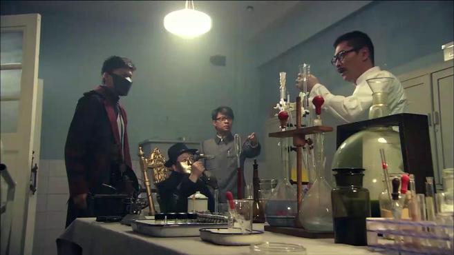 实验即将结束,鼠疫病毒即将完成,万万没想到研究员竟喝下王水!