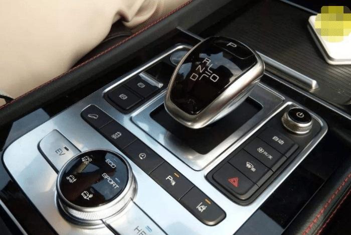 为啥这么多国产车,只有比亚迪使用中文按钮?用中文很丢脸吗?