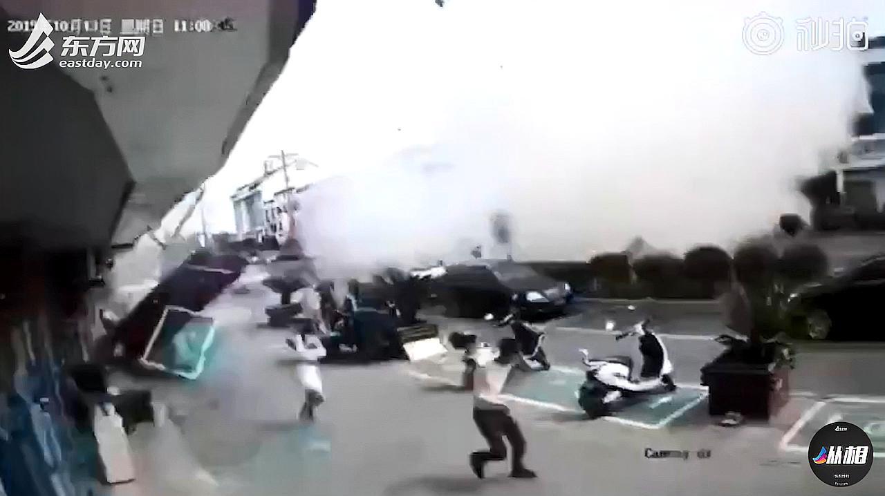 现场视频:无锡小吃店燃气爆炸致6死15伤