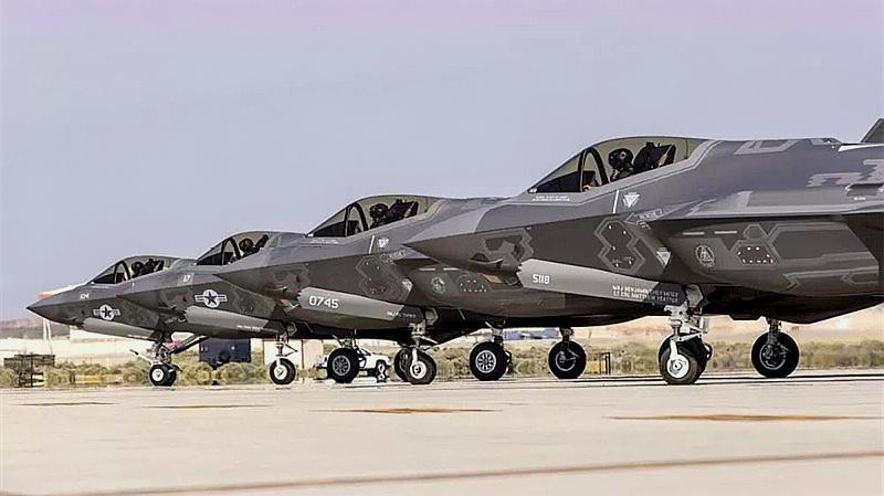 中东强国迫使美国让步,一百架五代机将交付,实力跃升世界第二