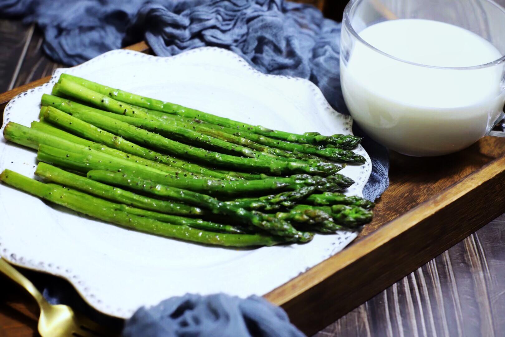 芦笋最好吃的做法,一看就会,常吃还能减脂,女孩子要多吃