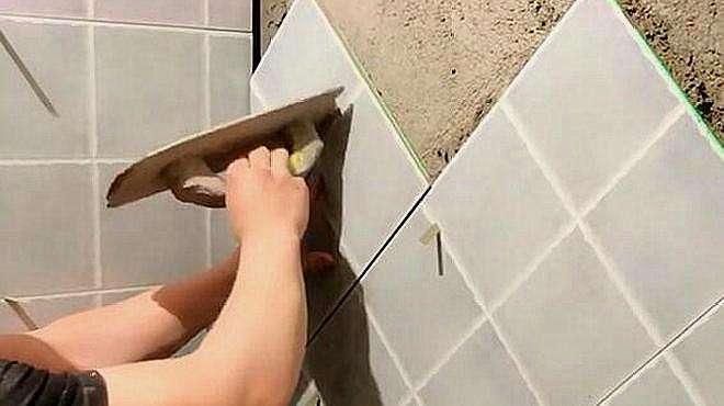 自从用了这个机器,贴瓷砖那叫一个平,看着也不会歪了