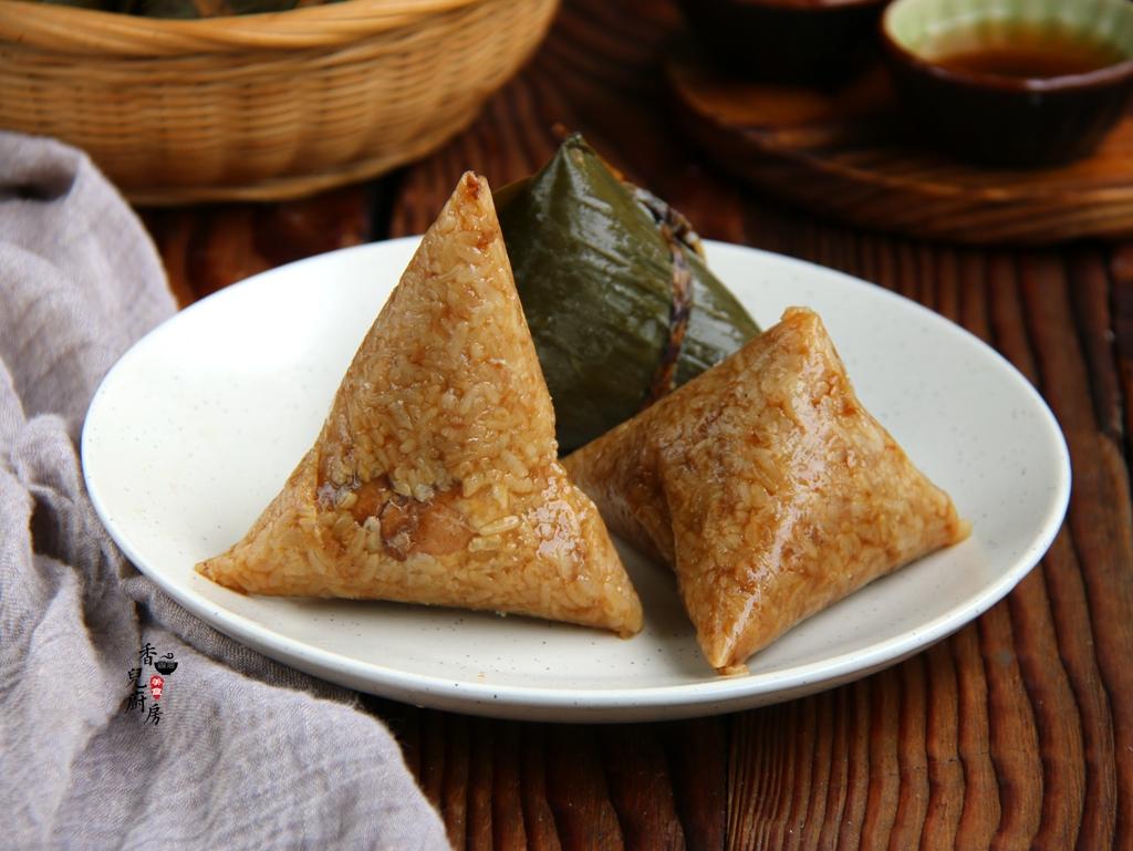 端午节吃粽子,教你包三角大肉粽的包法,简单易学,看看就会了!